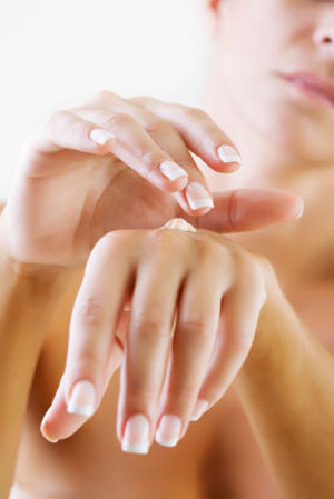 apply cream for dry skin remedy