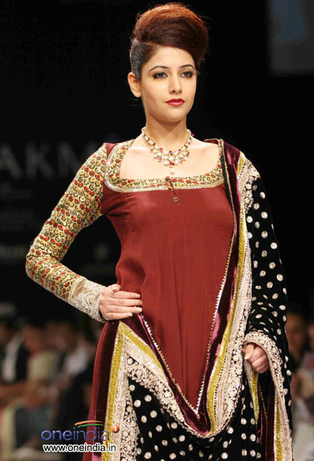 Beautiful red salwar suit with black chunni
