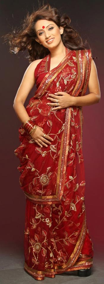 saree and pallu drape style 15