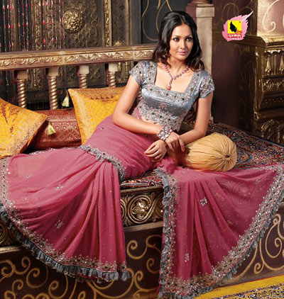 Pink saree with grey border