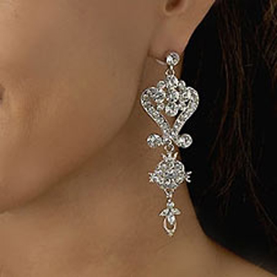 Delicately designed chandelier earrings