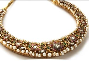 Heavily studded kundan choker necklace