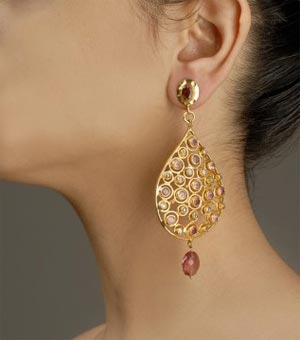 Beautiful earring with kundan drop