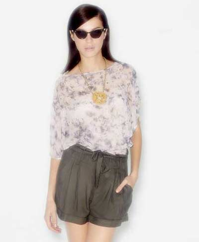 Stylish loose fitting shorts