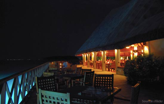 Maldives restaurent night