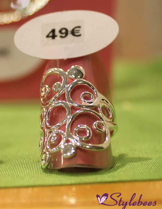 Big statement silver ring, the size perfect for your middle finger