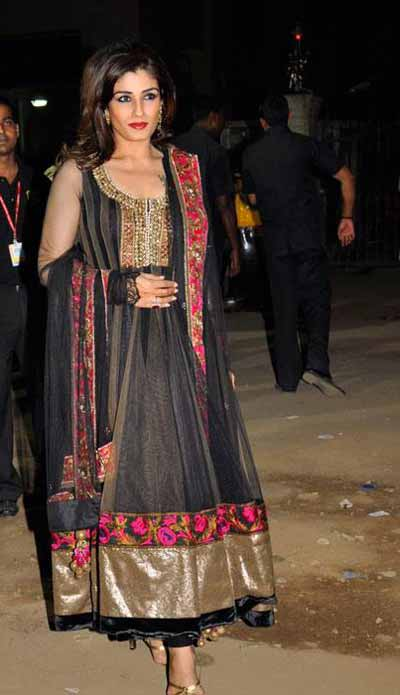 raveena tandon in long anarkali salwar kameez at filmfare festival