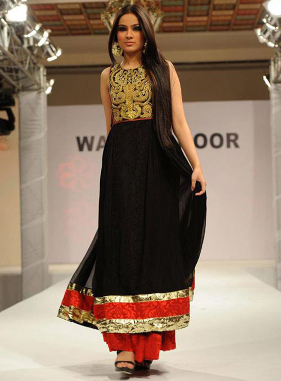 Black-salwar-kurta-with-red border