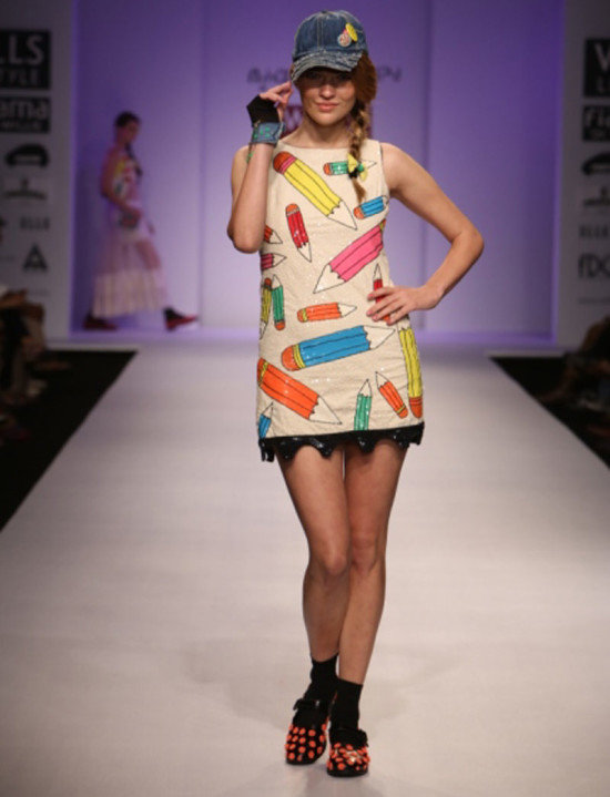 niharika-pandey in wills india fashion week ss14