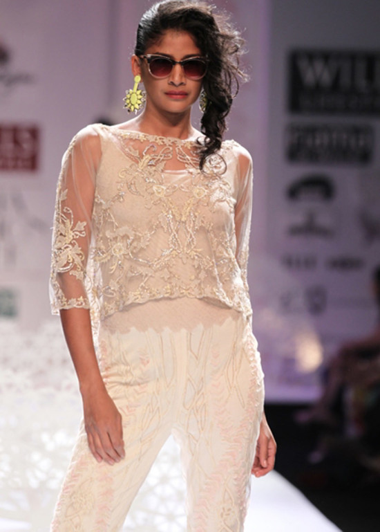 paras-and-shalini in wills india fashion week ss14