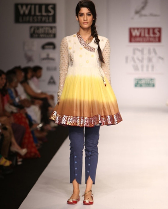 ponam-dubey in wills india fashion week ss14