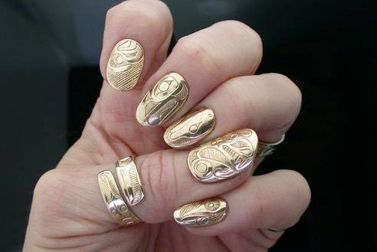Gold-nails-and-gold-ring