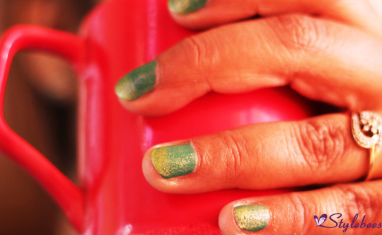 green-and-yellow-nail-art