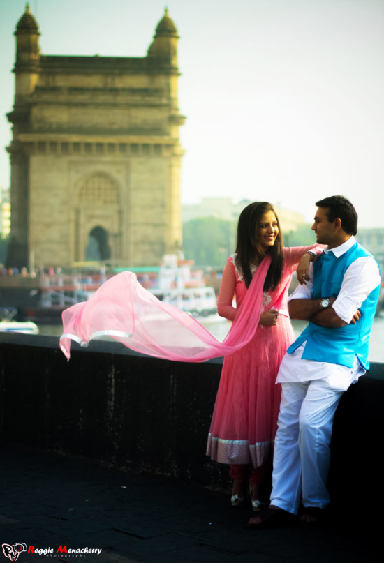 wedding photo at gateway of india